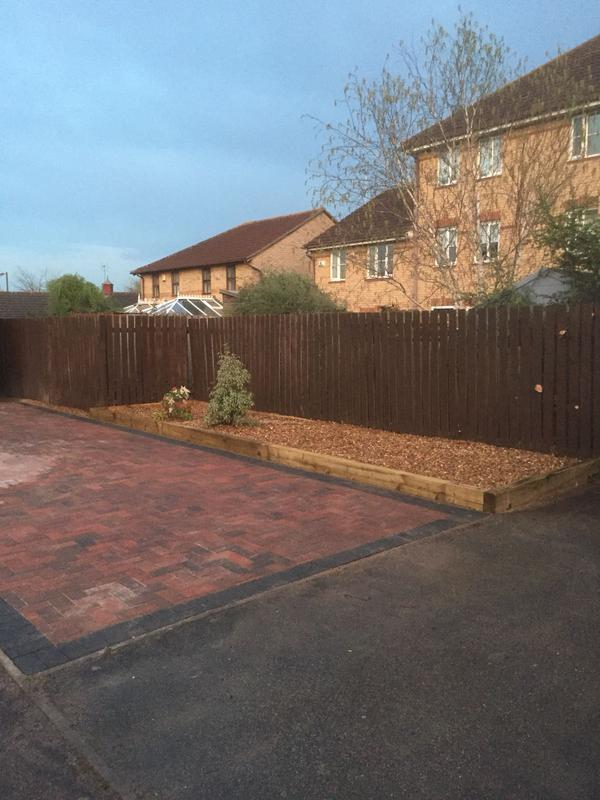 Image 18 - block paving driveway and flower bed
