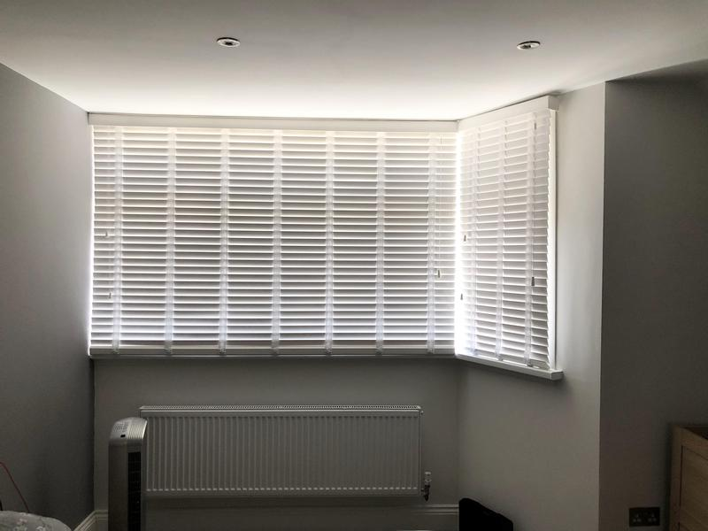 Image 8 - Fitting blinds wood Venetians blinds
