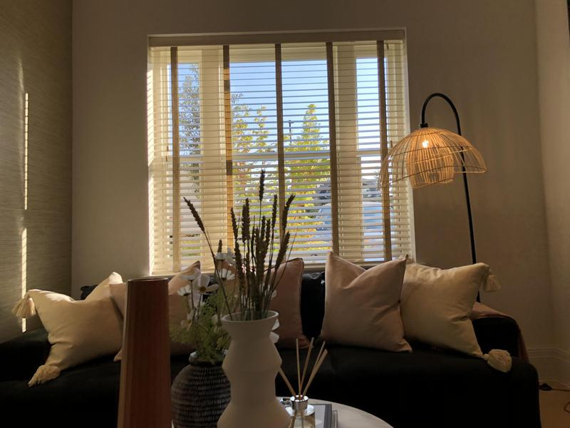 Image 12 - Fitting blinds wood Venetians blinds