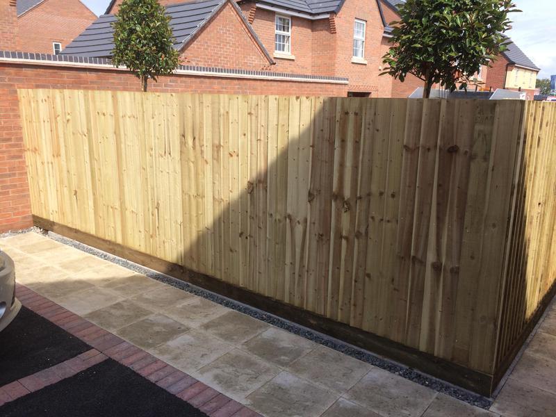 Image 19 - Nuneaton featherboard Fence
