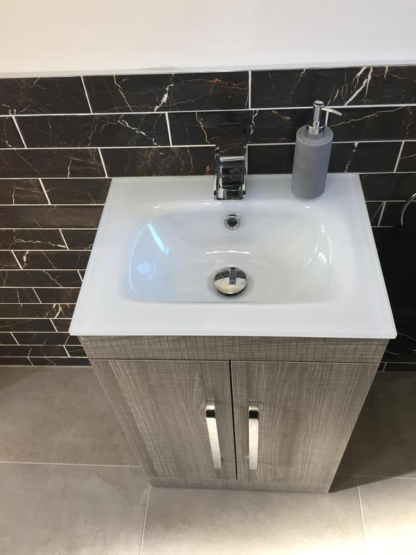 Image 76 - Glass basin on vanity unit