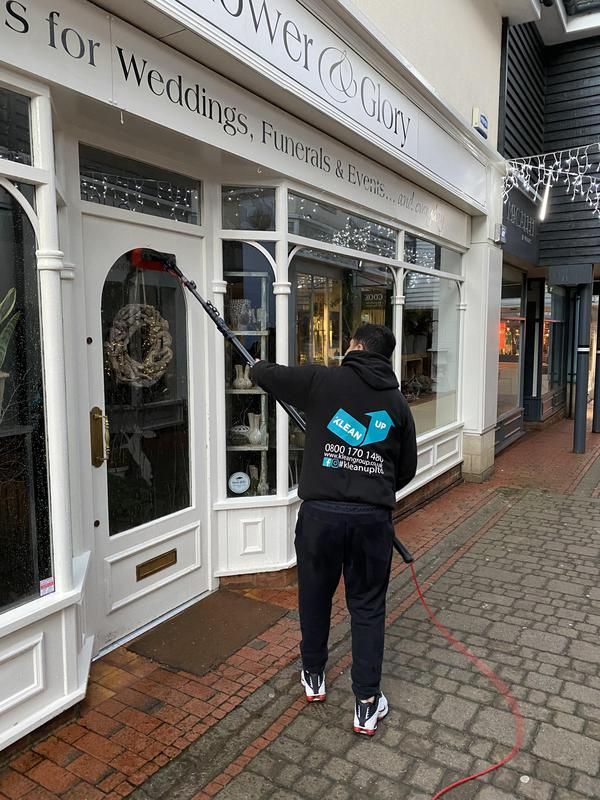 Image 9 - Shop window cleaning