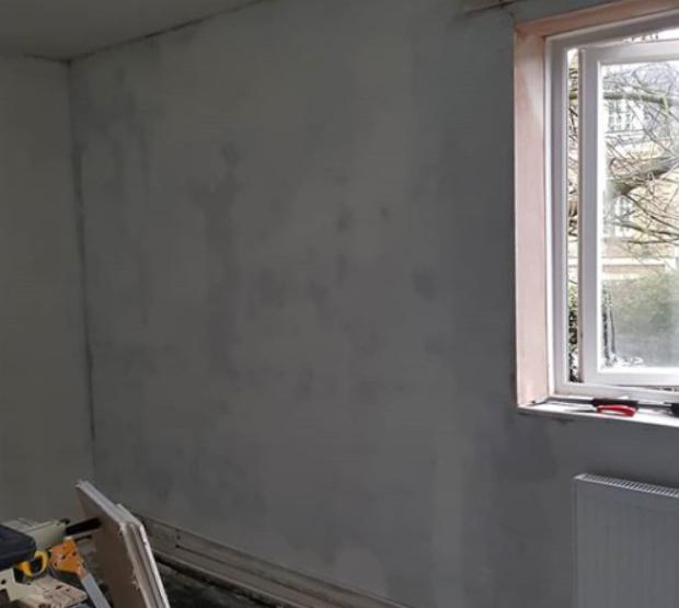 Image 3 - Frontroom before new paint and deco