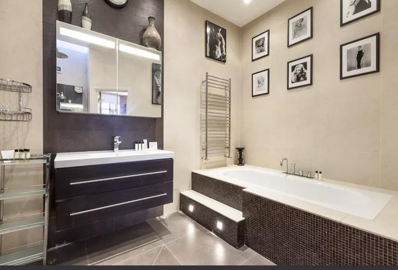 Image 45 - Refurbish bathroom