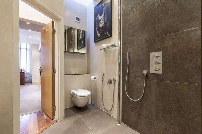Image 46 - Refurbish bathroom