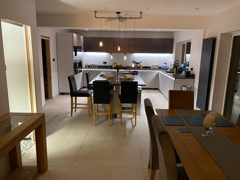 Image 1 - Large kitchen board/skim