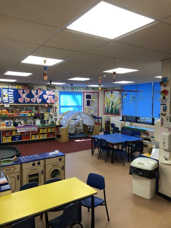 Image 29 - LED lighting in a Northampton primary school