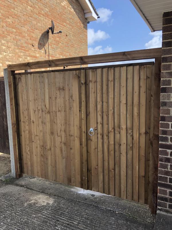 Image 41 - Close board gates