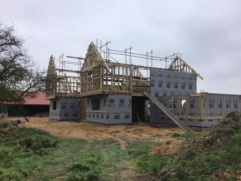 Image 20 - New house erection