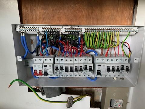 Image 34 - Consumer unit replacement
