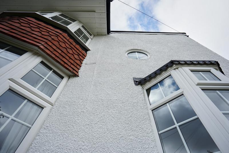 Image 185 - Pebble dashed House in Brilliant White Duluix Weathershield.