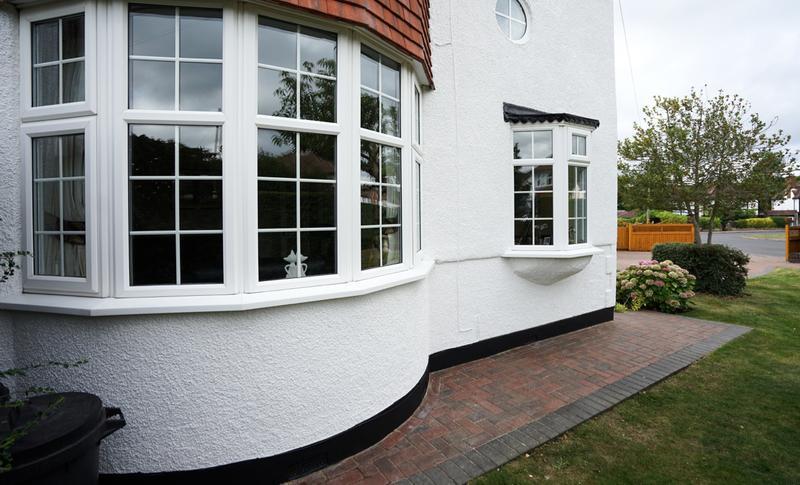 Image 181 - Pebble dashed House in Brilliant White Duluix Weathershield.