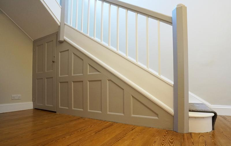 Image 140 - Contrasting pannelling Farrow & Ball Hallway.
