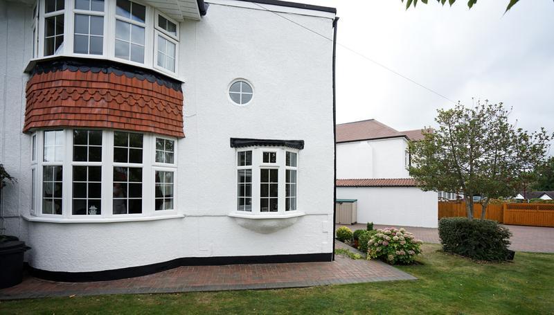Image 183 - Pebble dashed House in Brilliant White Duluix Weathershield.