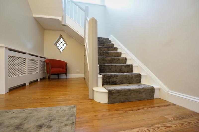 Image 142 - Farrow & Ball Hallway.