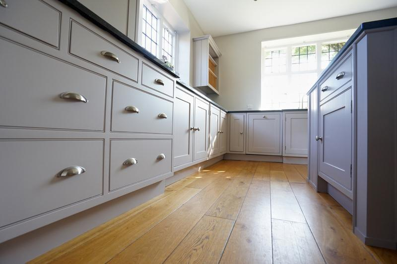 Image 146 - Farrow & Ball colours on a lovely handmade kitchen (from cream to two contrasting grey's).