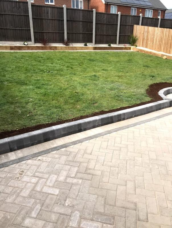 Image 41 - Lawn paving edging stone with new fencing