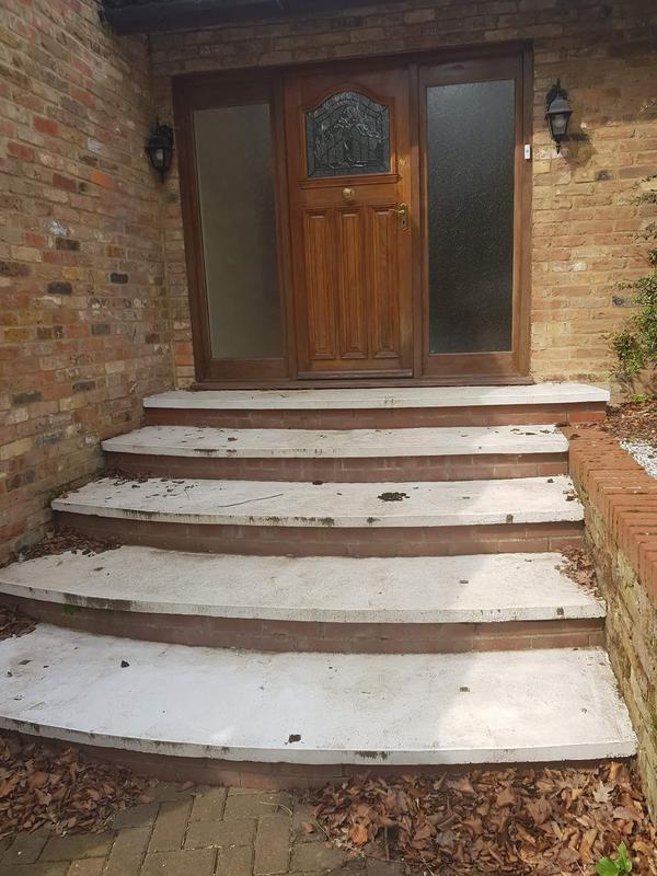 Image 11 - Concrete steps