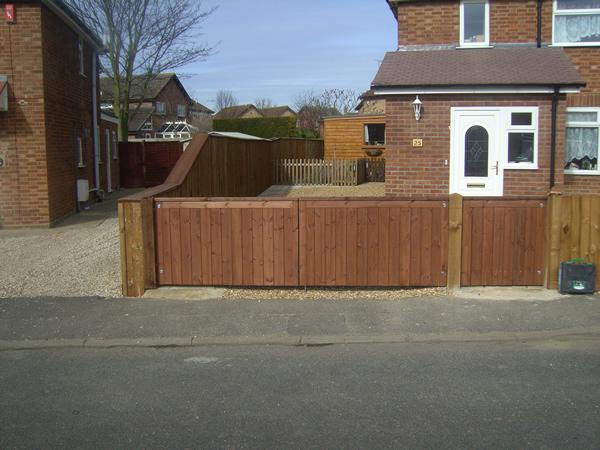 Image 46 - New driveway fence and gate Willingham