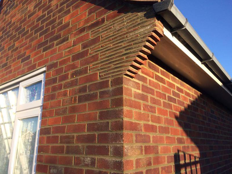 Image 53 - Bungalow apex repointing in bucket handle Lancing