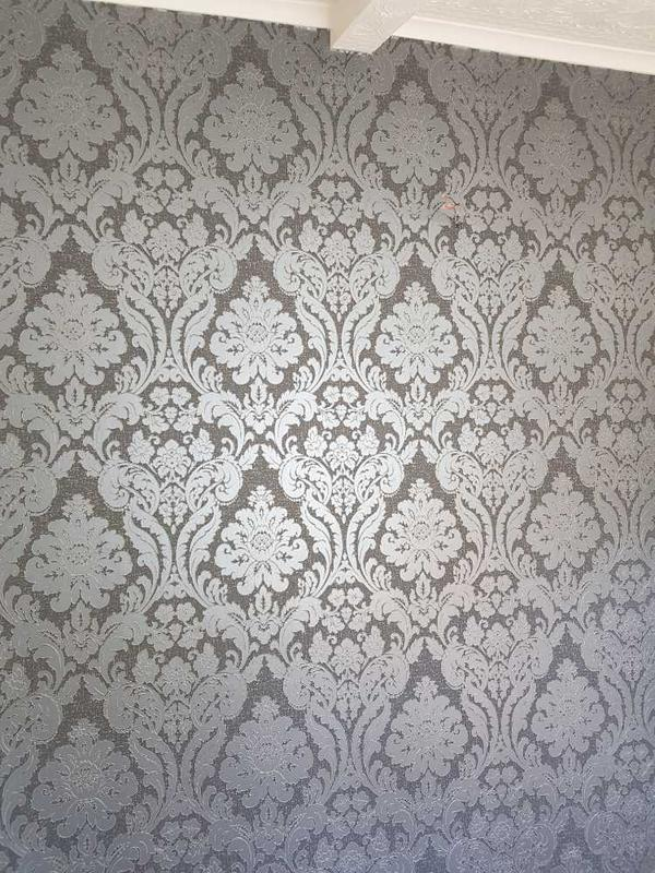 Image 51 - middle part of feature wallpaper