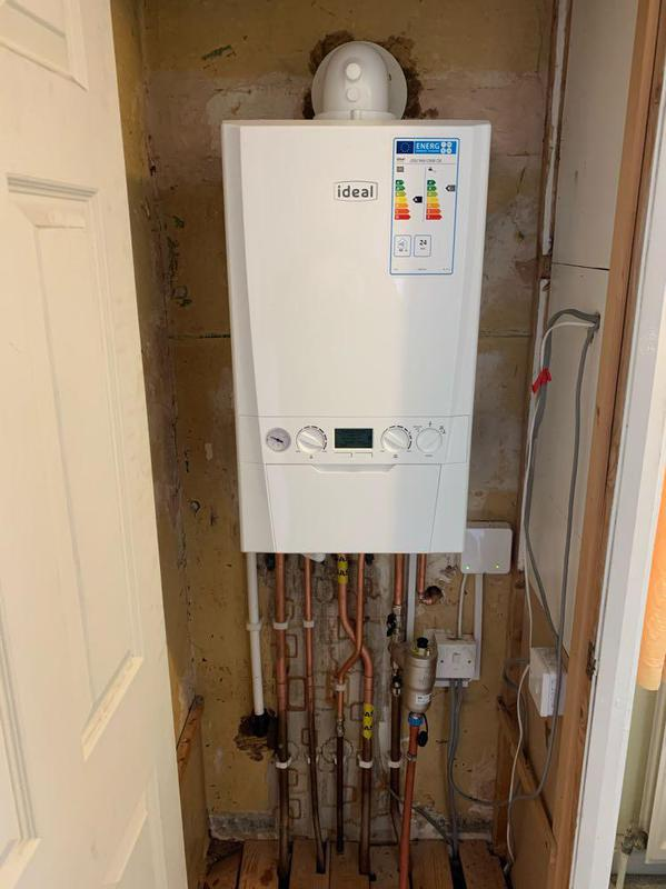 Image 71 - Ideal Logic MAX 30c combi boiler. Fitted in line with boiler plus regulations