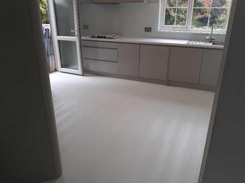 Image 36 - white laminate - Quick step