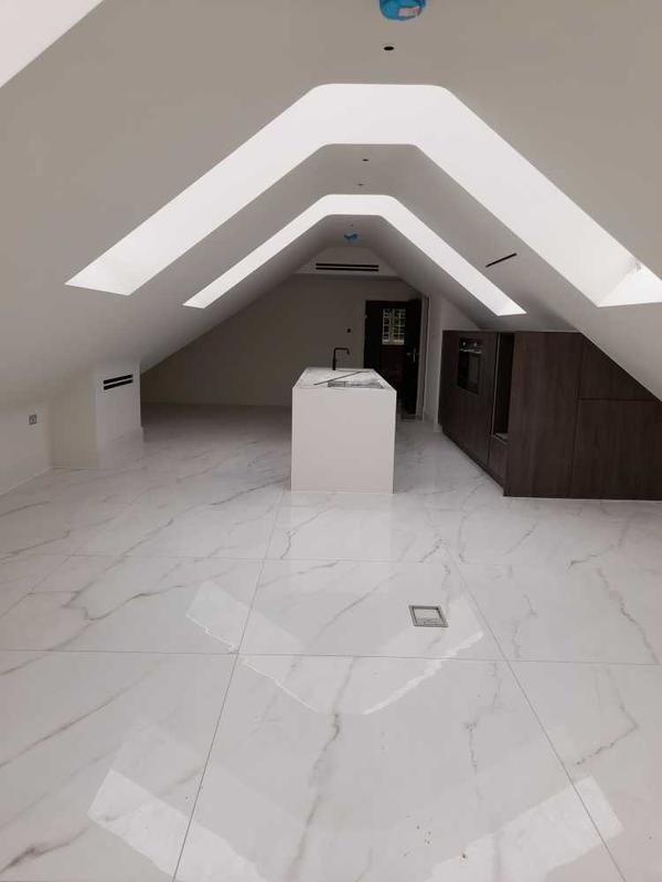 Image 2 - large format kitchen/dinning room floor. with quartz work top. stock essex