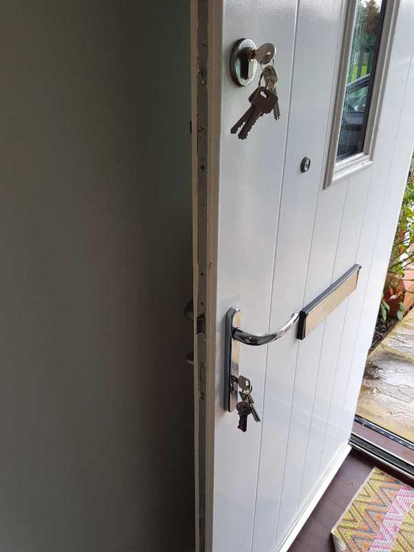 Image 3 - Local customer called to change locks on a Saturday with 6 keys to each!, Done same price as mid week!