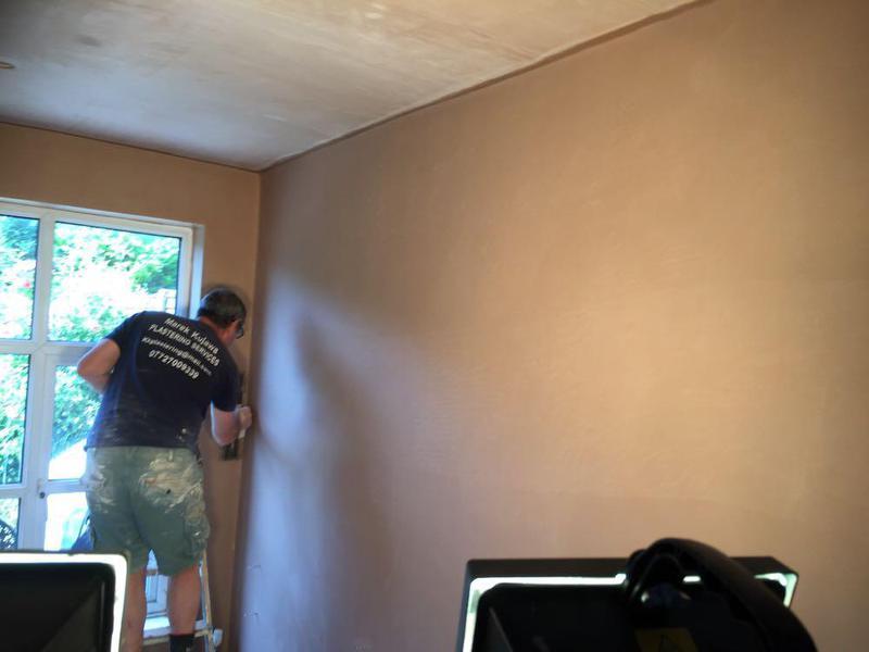 Image 17 - PLASTERING LOUNGE ROOM