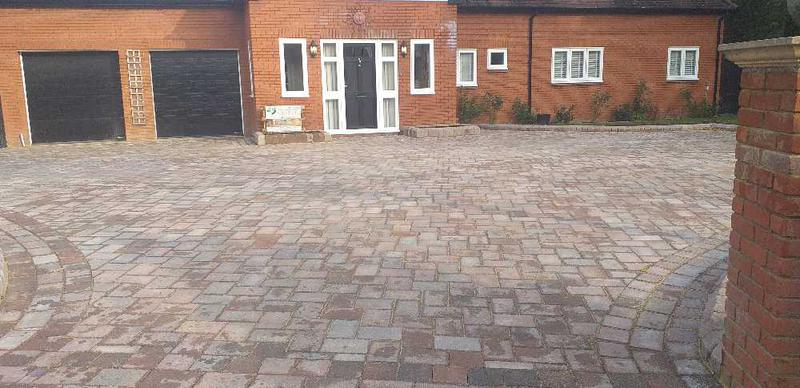 Image 4 - Tegula driveway completed in willen milton Keynes stunning contrast 👌⭐⭐⭐⭐⭐