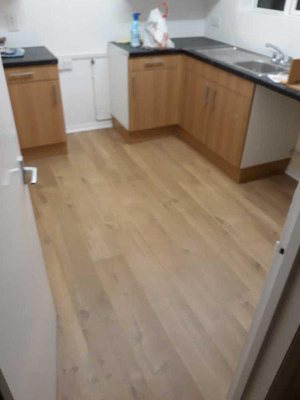 Image 17 - laminate flooring Quick step