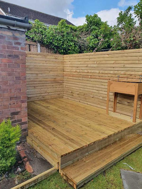 Image 32 - DECKING and Drail FENCE for hot tub.