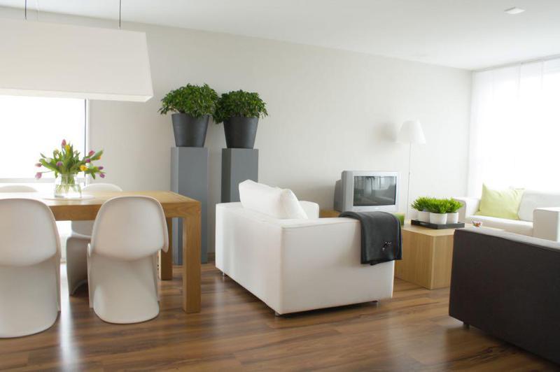 Image 29 - Beautiful Sitting Room clean