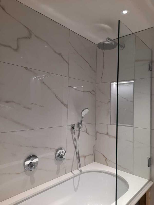 Image 7 - white bathroom with quartz bath top