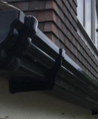 Image 28 - Gutter clearance