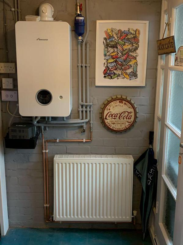 Image 31 - Completed Worcester Bosch 2000 installation with aditional radiator
