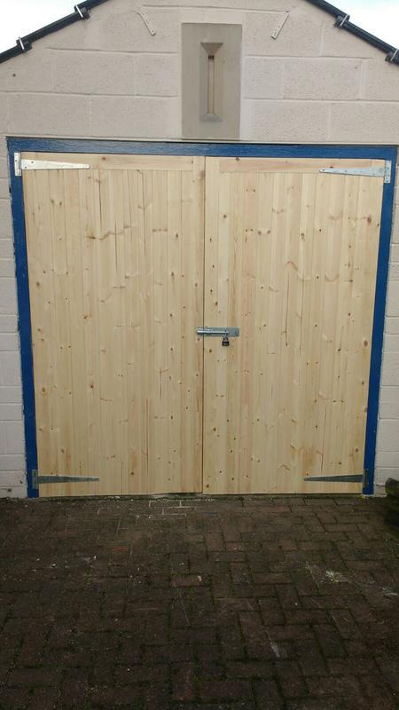 Image 78 - garage doors