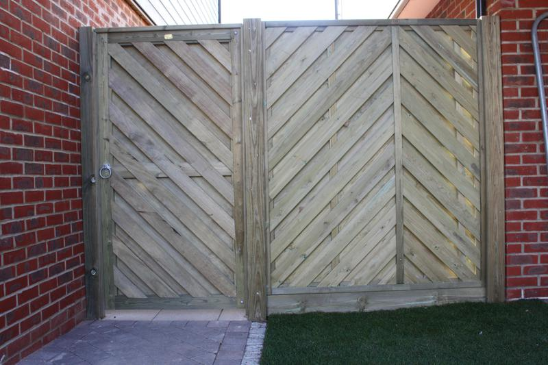 Image 1 - Privacy Screen & Gate Installation.