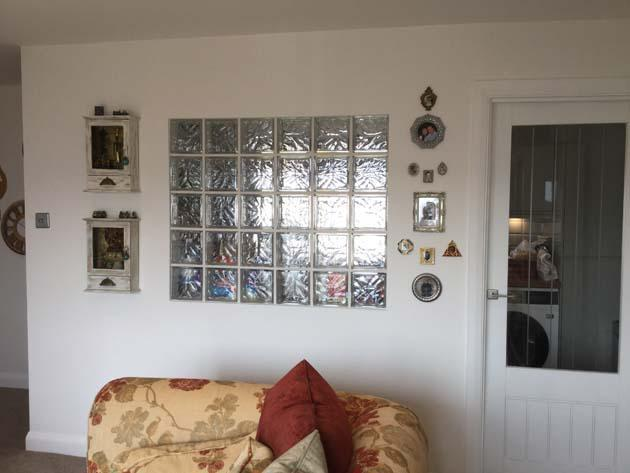 Image 17 - Feature wall created using glass bricks