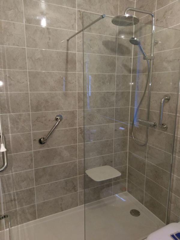 Image 1 - Bathroom (Ilford)