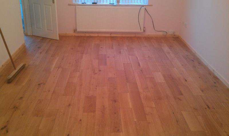 Image 50 - Oiled Oak flooring with skirting