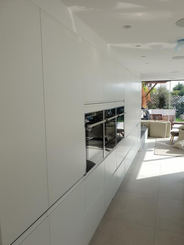 Image 89 - Kitchen installation.