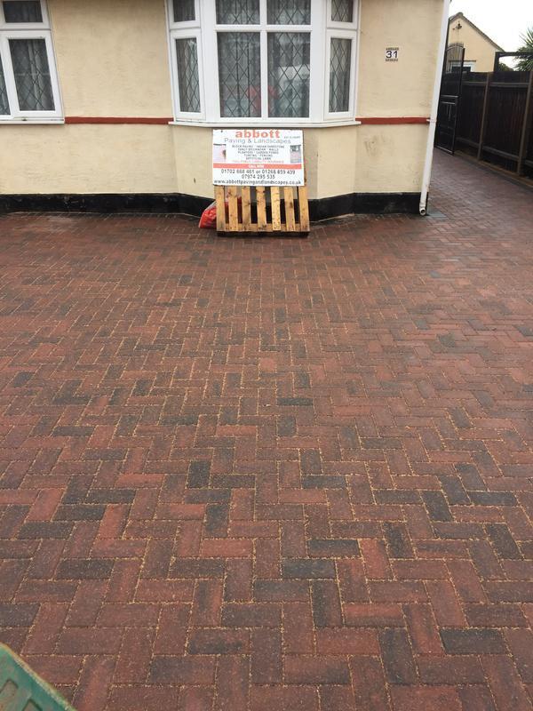 Image 34 - Brindle block paving