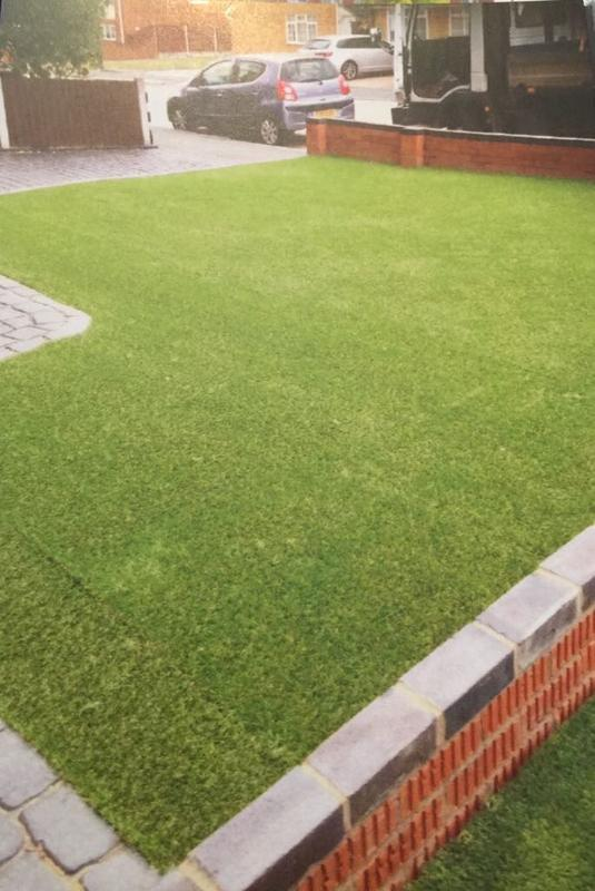 Image 23 - Artificial lawn