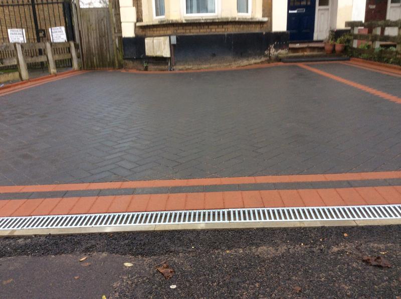Image 56 - Front driveway in leytonestone