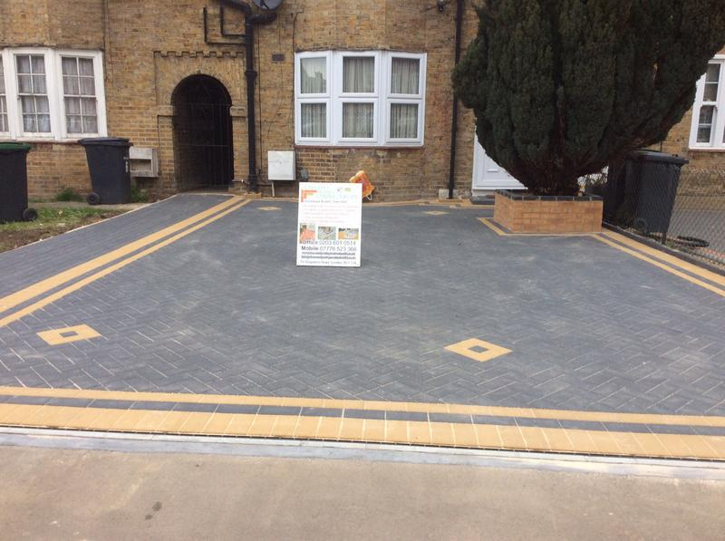 Image 114 - Front driveway in wood green