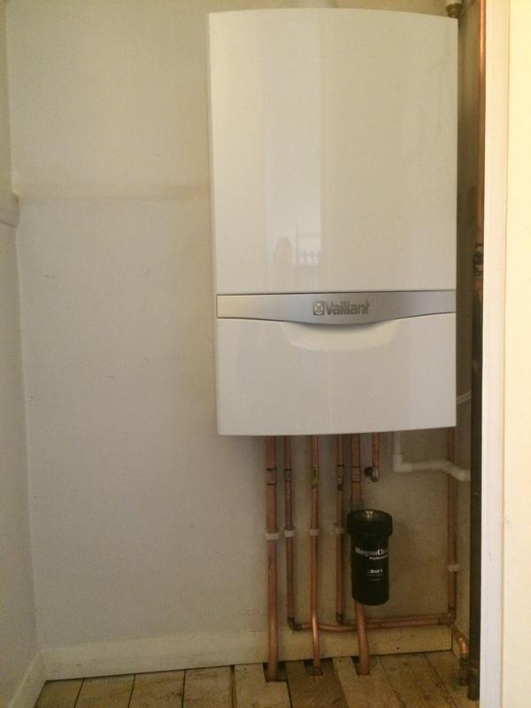 Image 7 - Vaillant 35kw combination boiler with magna-clean.7 year warranty. Nest heating controls fitted. Removed gravity system.