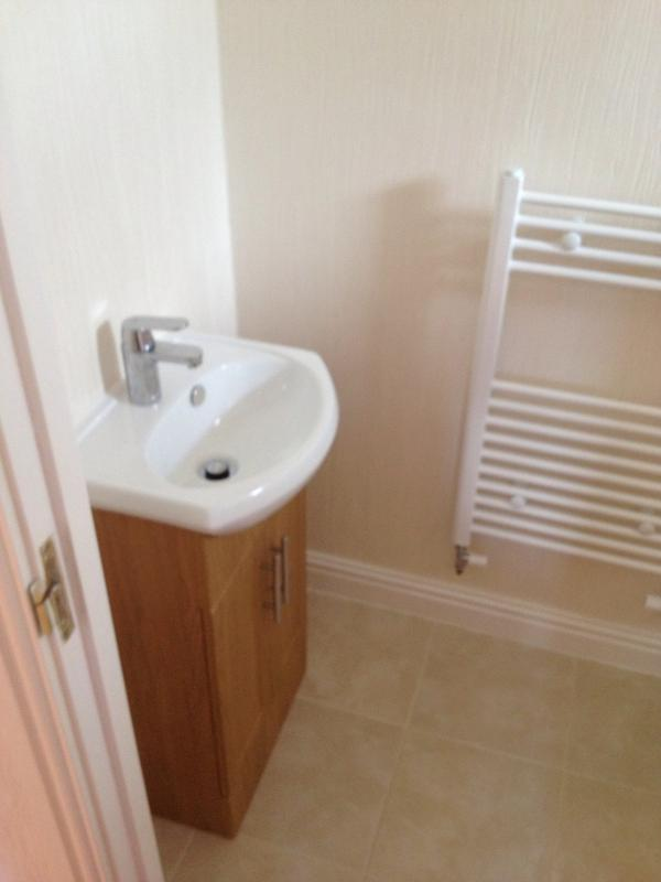 Image 8 - Clock room vanity basin