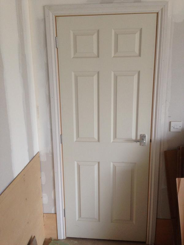 Image 44 - White 6 or 4 panel doors. Supplied and fitted £50